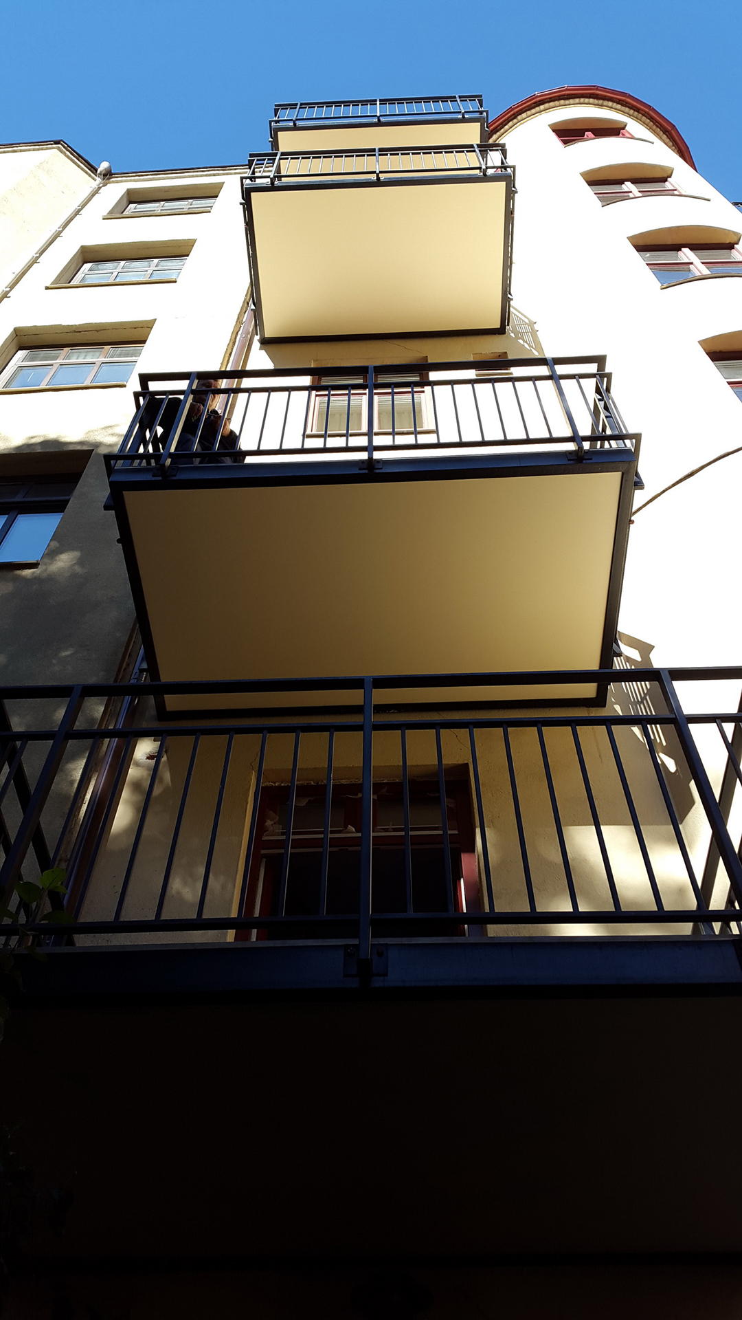 Montažni premium balkoni